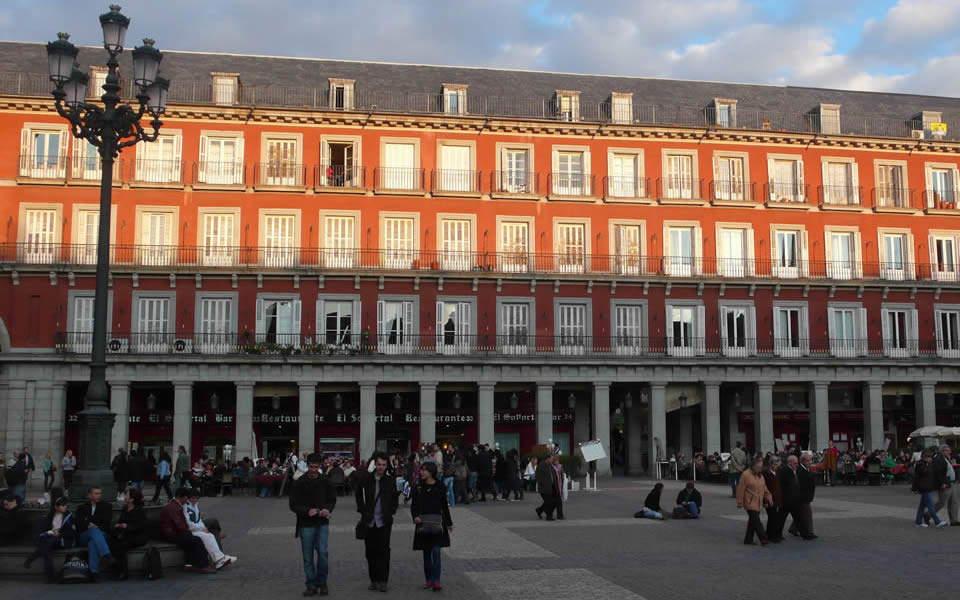 Madrid - great places have great square, imperial urbanity again