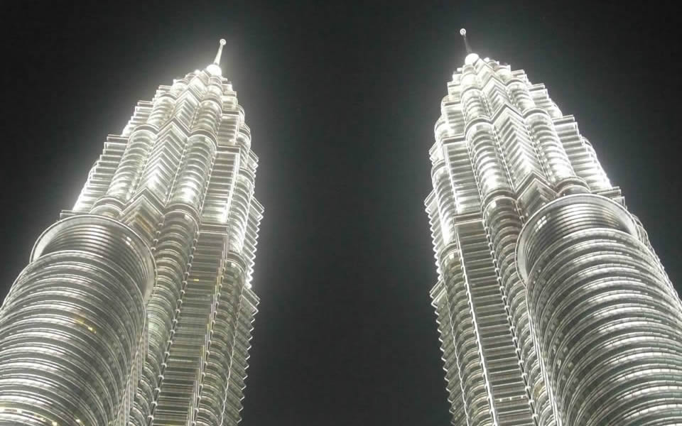 Kuala Lumpur - The Petronas Towers, one of the few impressive new icons