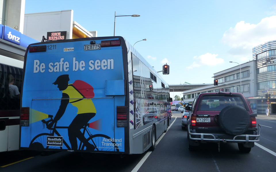 Auckland - Public transport & cycling warning