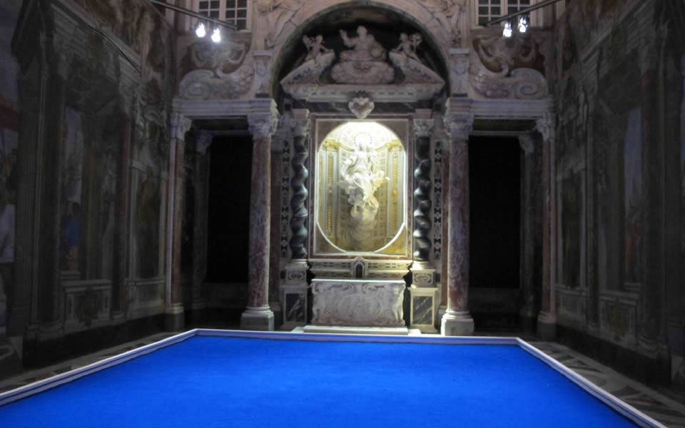 Genova -  Elegiac Yves Klein blue in a baroque chapel