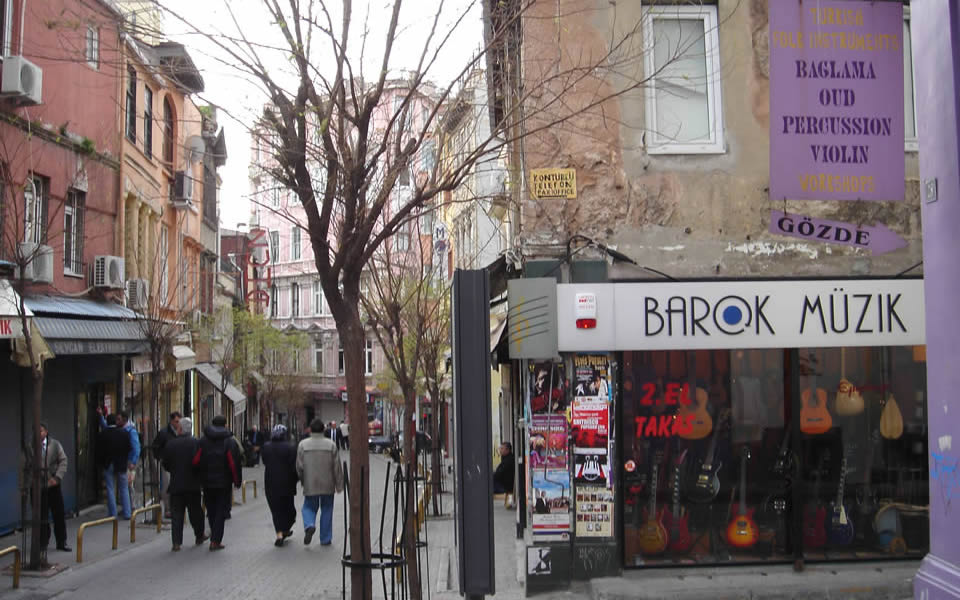 Istanbul -Galipdede Avenue, Beyoğlu's 'music street' for over 60 years