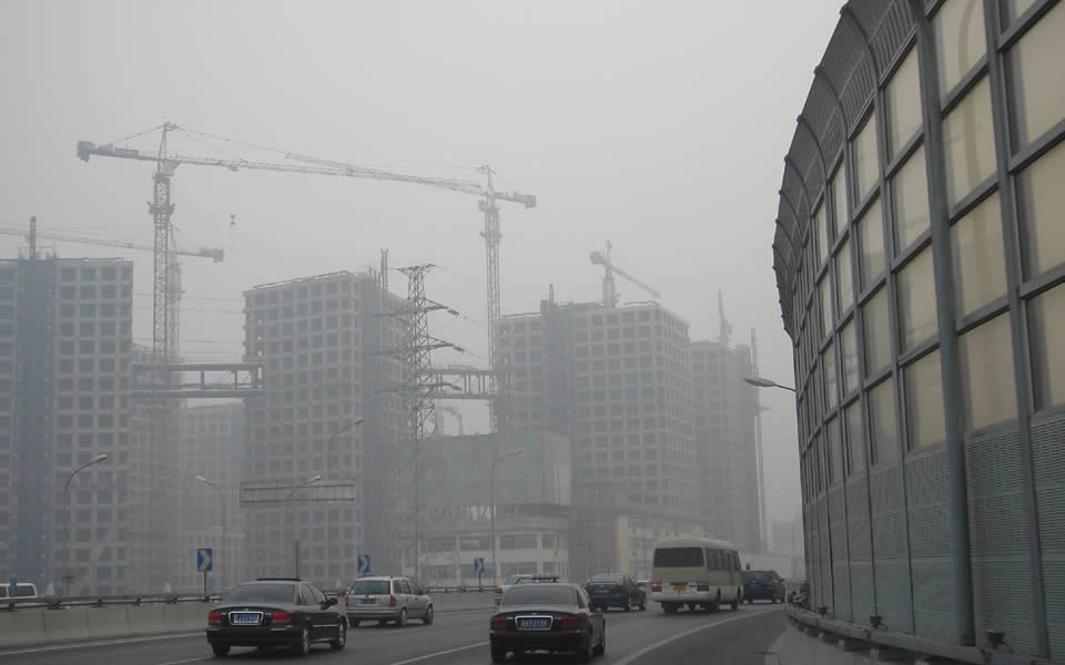 Beijing - Pollution is becoming a serious heakth hazard
