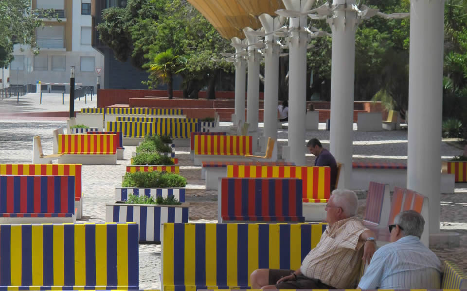 Lisbon - pleasing benches
