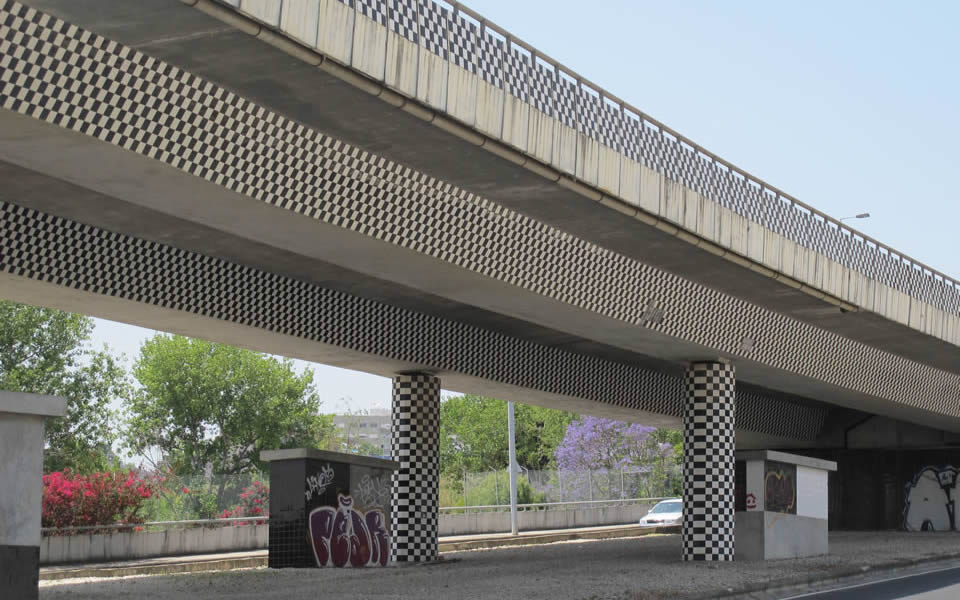 Lisbon - a touch of style for an overpass